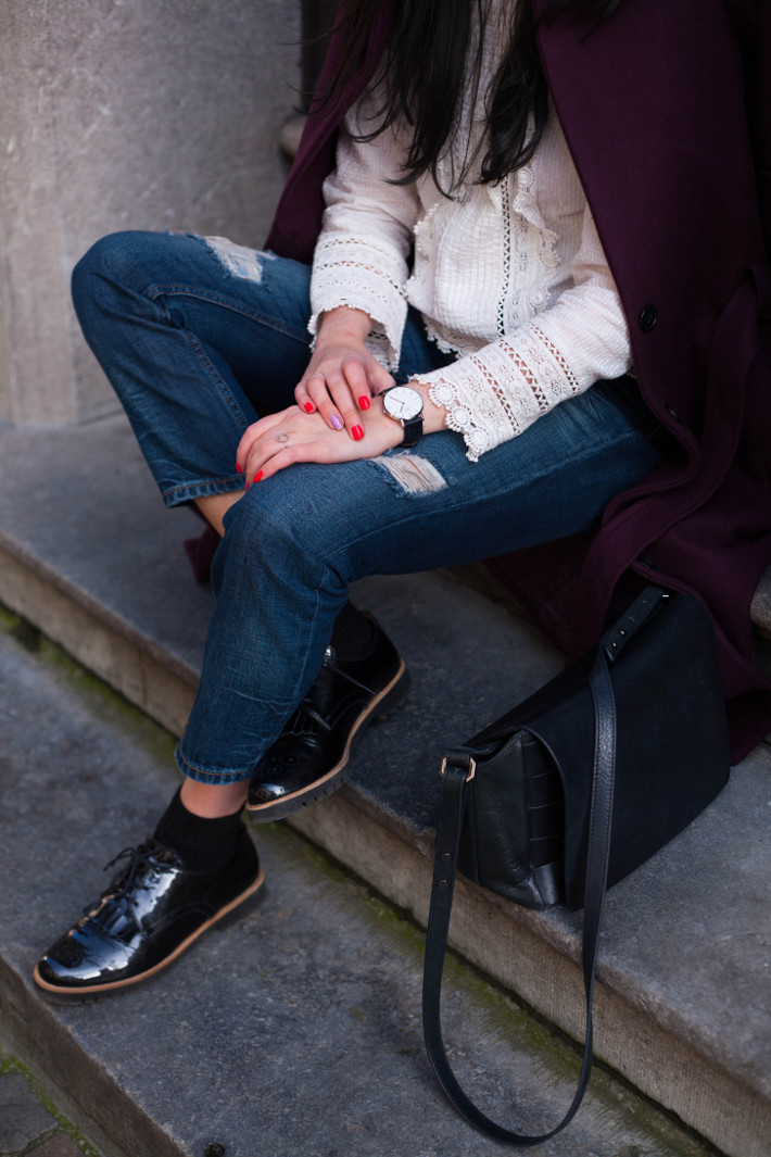 Outfit: eggplant robe coat, Edwardian blouse, boyfriend jeans and tassel brogues