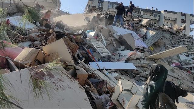 Σεισμός στη Σάμο: Νεκρά δύο παιδιά στο Βαθύ - Έξι νεκροί και 202 τραυματίες στην Τουρκία (βίντεο)