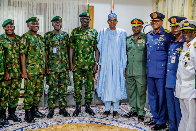Breaking..... PRESIDENT BUHARI FIRES SERVICE CHIEFS AND APPOINTS THEIR REPLACEMENTS