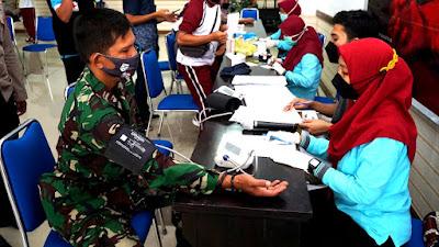 HUT Lombok Timur ke 126 Dimeriahkan Dengan Kegiatan Donor Darah Massal