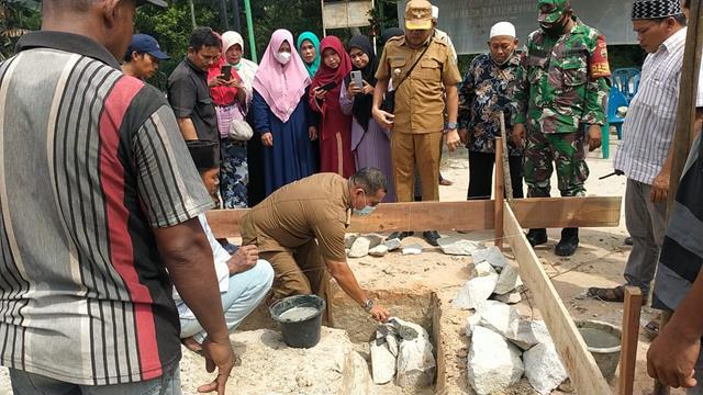 Peletakan Batu Pertama Untuk Pembuatan Mesjid Turut Serta Dihadiri Personel Jajaran Kodim 0208/Asahan