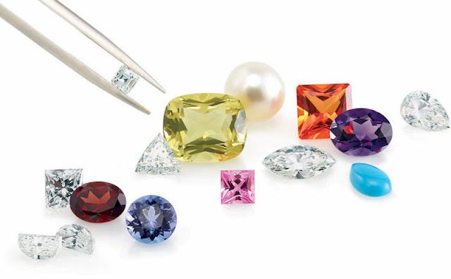 Diamanti di colore fantasia