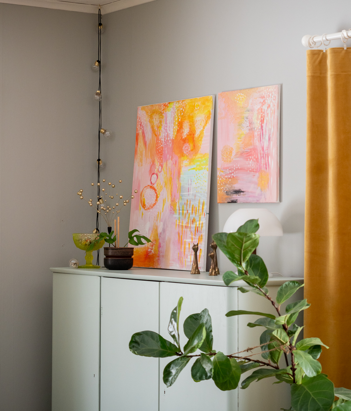 värikäs maalaus