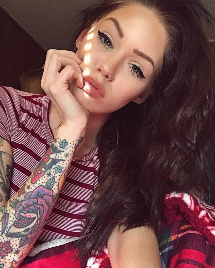 Tattoo models Lisa Marie