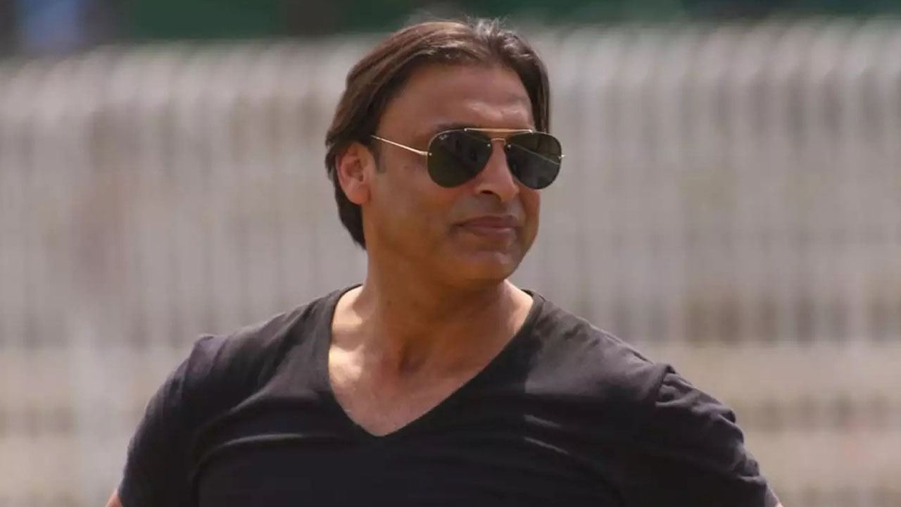 'Must become each other's support' - Shoaib Akhtar extends support to India amidst Covid-19 crisis