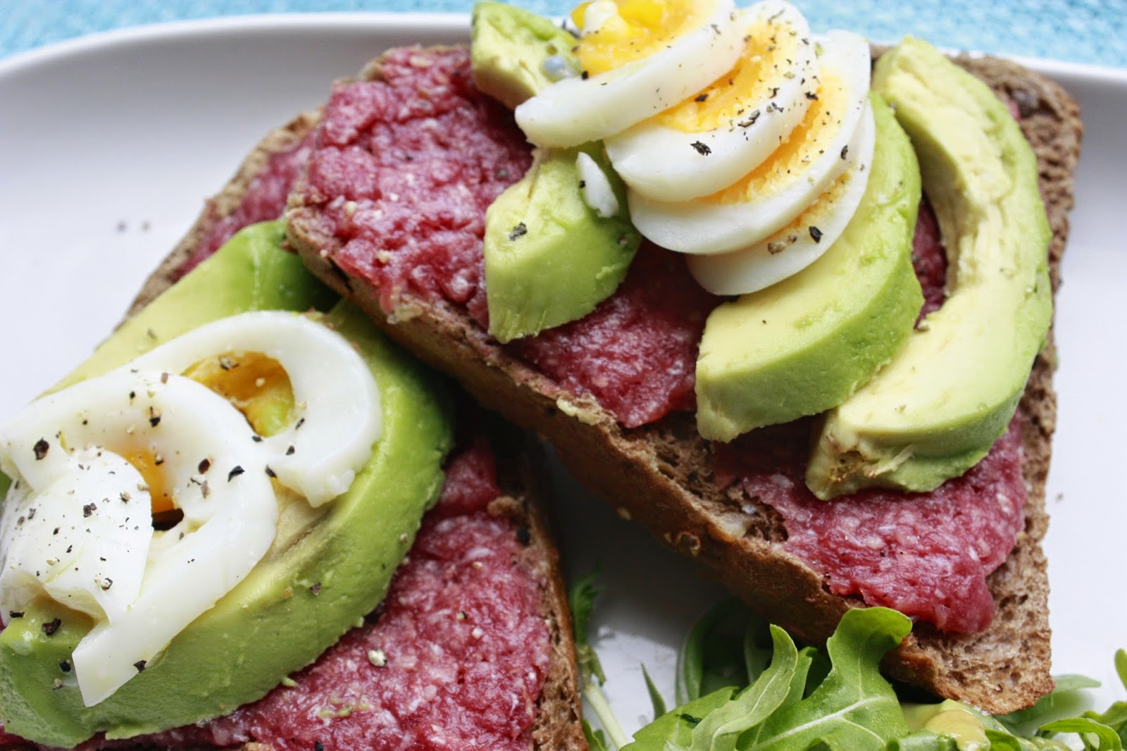 Broodje Avocado Ei Culi Column Lunch Time Broodje Ossenworst Met Avocado En Ei