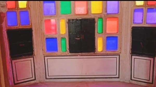 ratan mandir window in hawa mahal