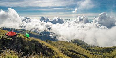 Plawangan Senaru Crater 2641 meter Mount Rinjani