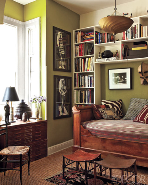 Auction Decorating: Small Space Solution: Try a daybed