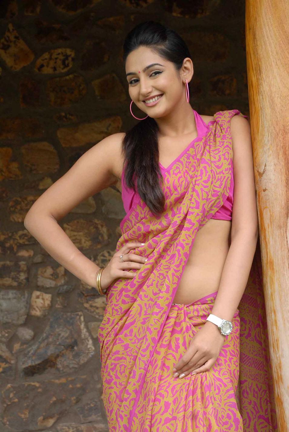 Slicypics Indian Actress Tamanna Bhatia Photos: Ragini Dwivedi Hot Pics In Saree