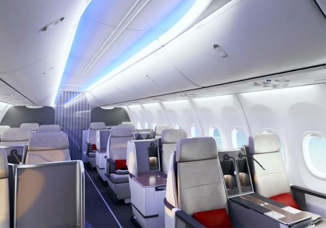 Boeing 737-900 interior