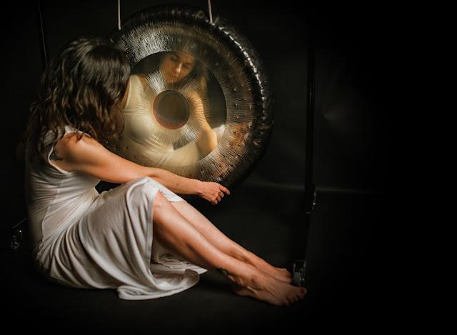ARTÍCULOS A MOSTRAR, akaal baño de gong, articulos sobre gong paramratan kaur akaal.es, gong madrid. akaal terapia de sonido paramratan kaur,