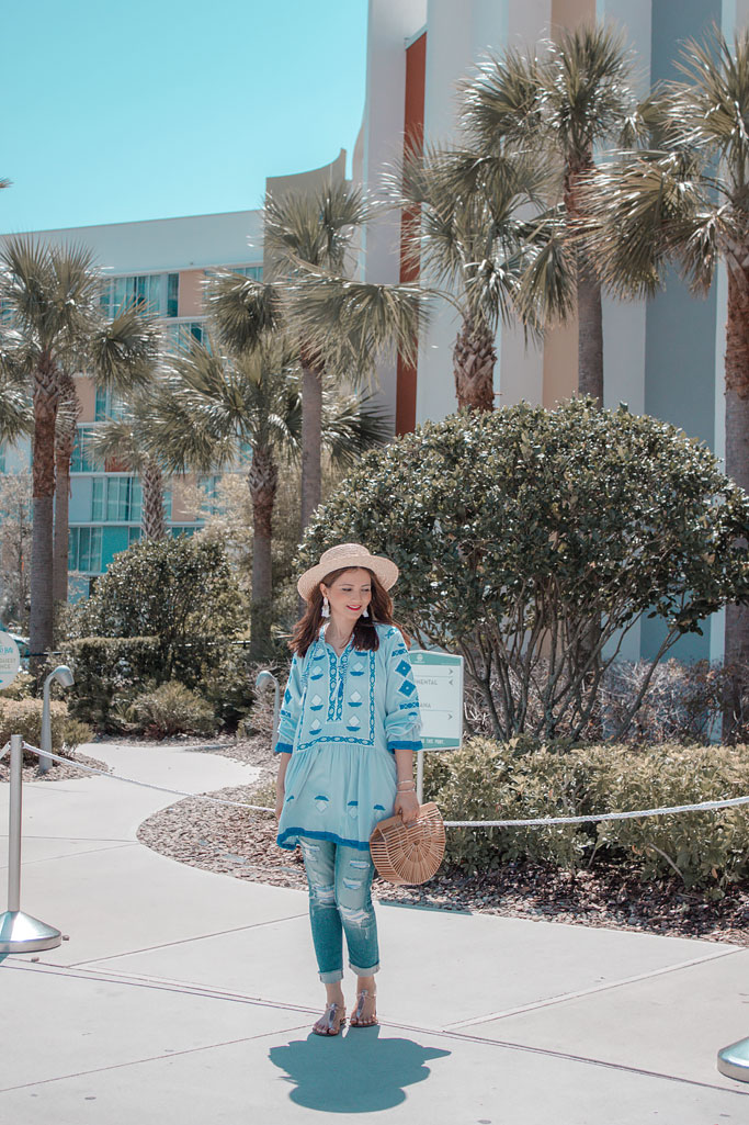 Chicwish Blue Tunic Straw Hat Distressed Jeans Blogger Outfit Cabana Bay Beach Resort