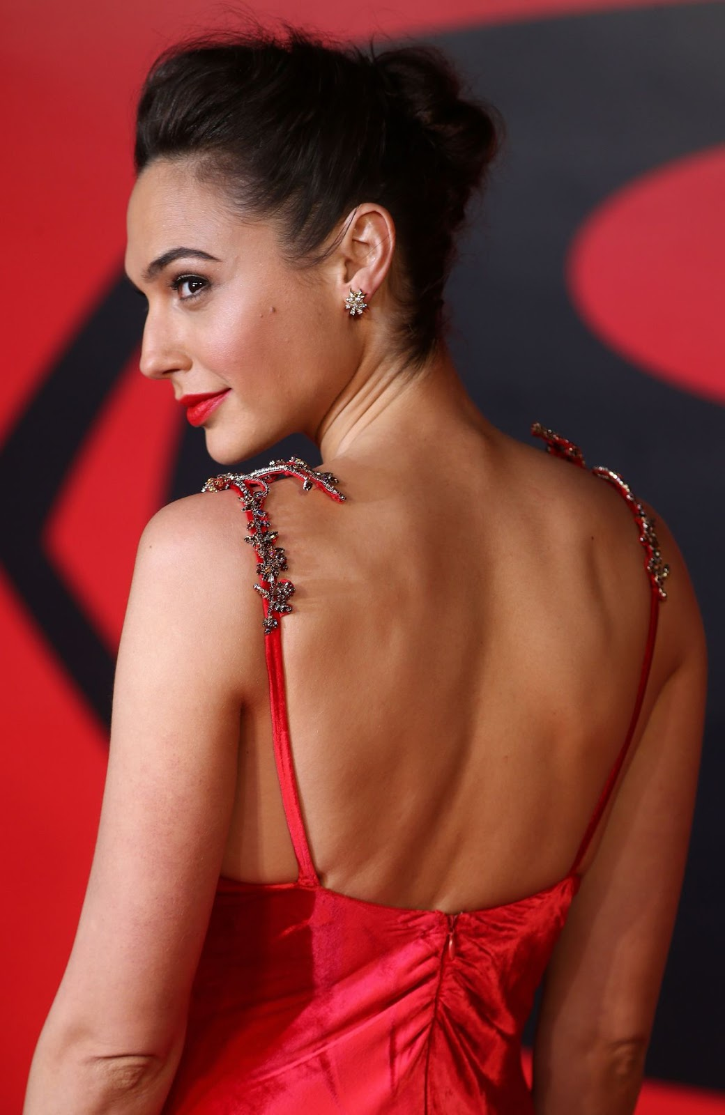 Gal Gadot in Hot Red Dress at 'Batman vs Superman - Dawn of Justice' London Premiere
