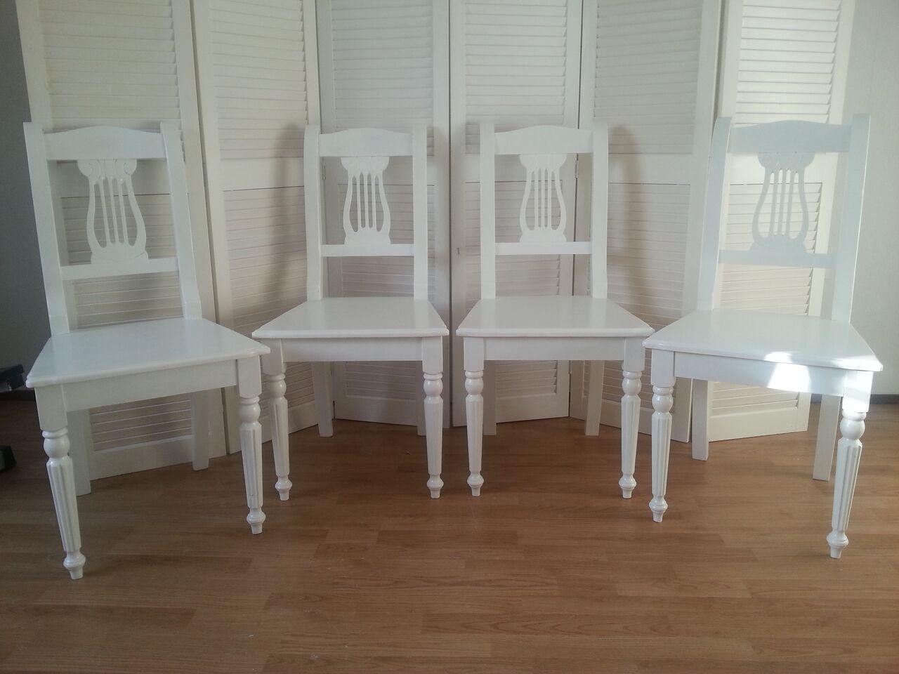 Ongekend opgeknapte meubels: witte eetkamerstoelen ST-09