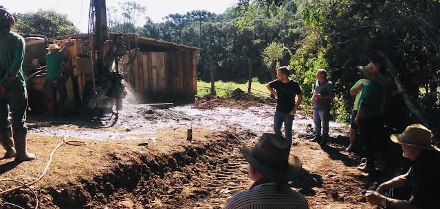 """Comunidade faz """"vaquinha"""" para furar poço artesiano"""