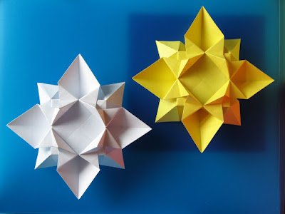 Origami, Fiore o stella 2 - Flower or star 2 by Francesco Guarnieri