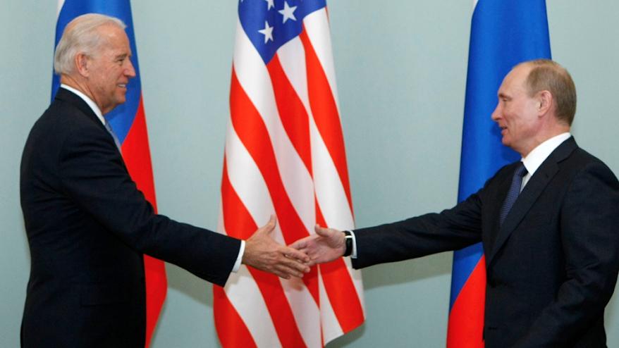 Ο Πούτιν πρότεινε στον Μπάιντεν να συνομιλήσουν σε ζωντανή μετάδοση