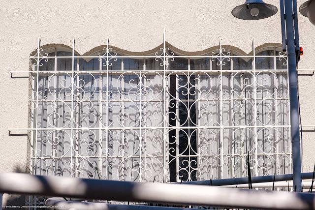 Casa na Rua Conselheiro Aráujo - detalhes - janela com grade