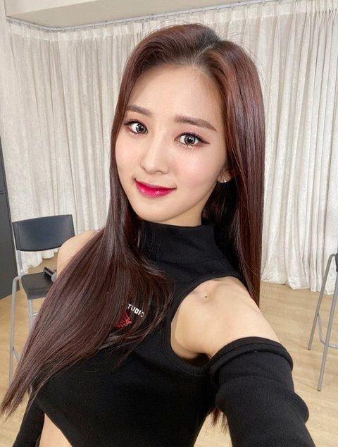 연예계 데뷔한 소녀시대 유리 사촌동생 두명