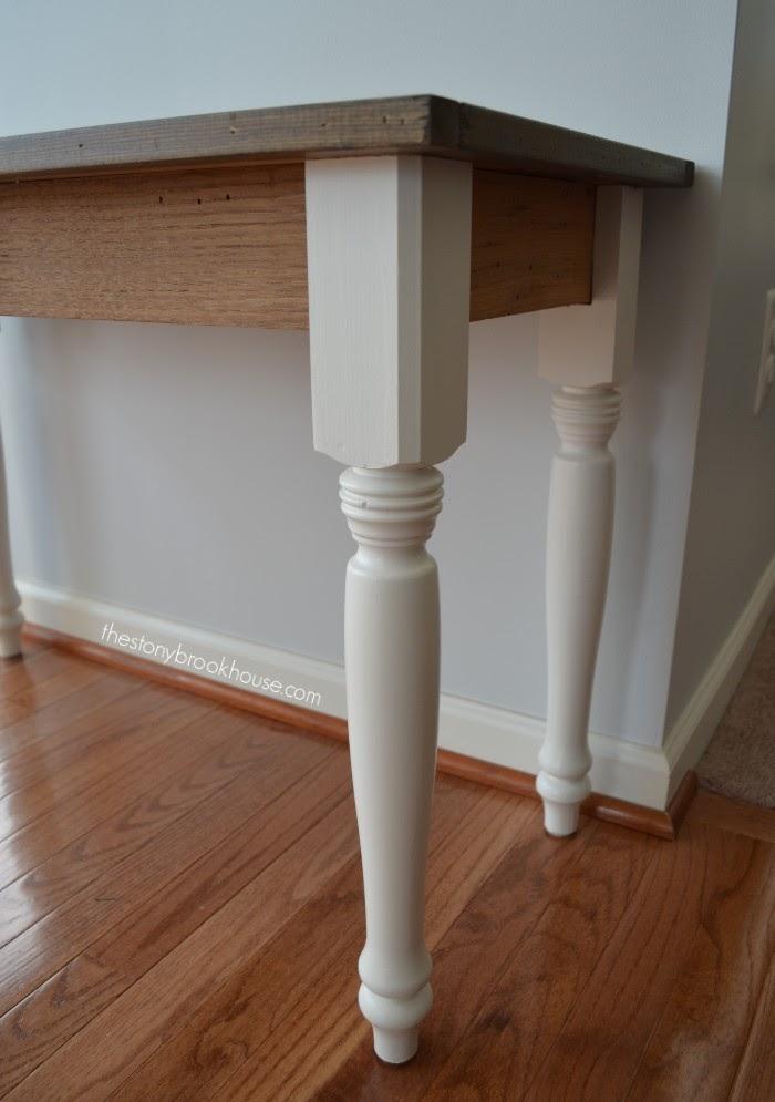 Paint & Wood contrast on legs