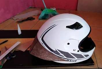 Pasang Spoiler Di Helm Cargloss Yamaha (Buat Sendiri)