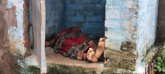 बेहटा में विवाहिता की शौचालय से मिली शव, हत्या की आशंका