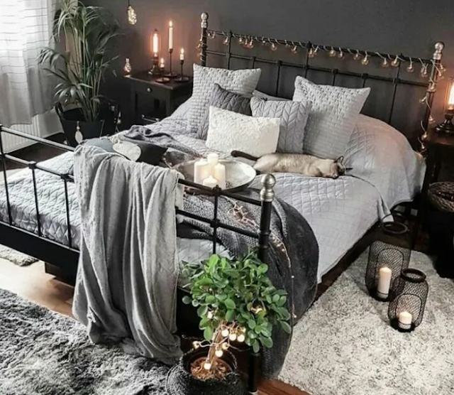 20. Gothic bedroom ideas with plant life
