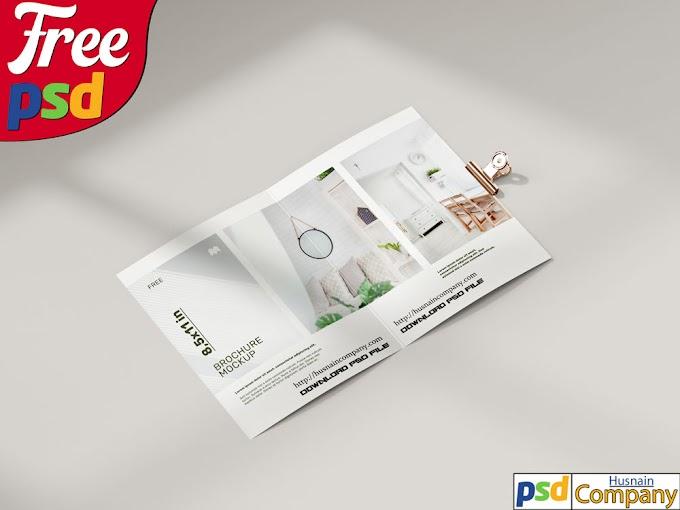 Download Free Folded Brochure PSD Mockup #3