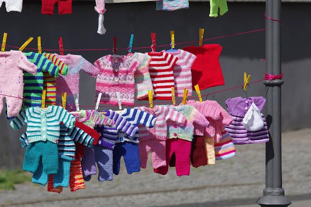 Ubrania dla niemowląt - od poziomu zera niemal do dizajnera