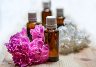 Removal of skin tags using Essential Oil Mixture