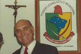 http://vnoticia.com.br/noticia/2650-morre-aos-84-anos-o-ex-deputado-paulo-albernaz