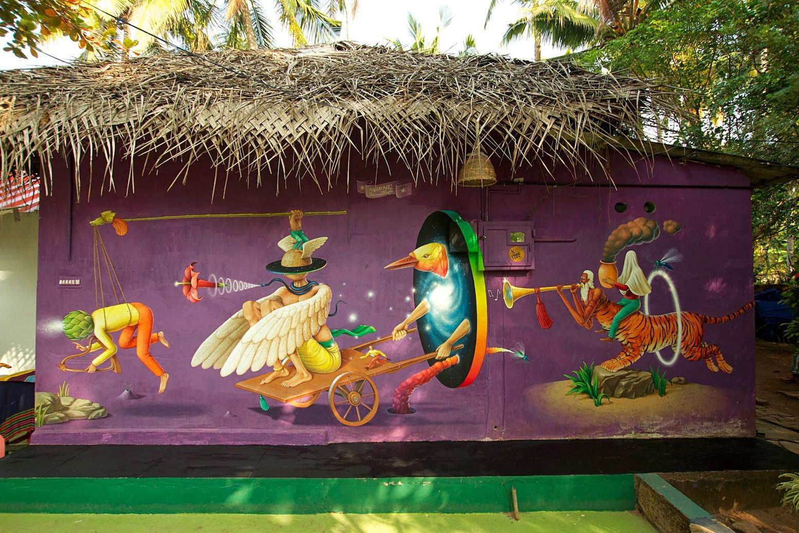 Waone from Interesni Kazki is back in the coastal town of Varkala in India where he just finished working on this new mural.