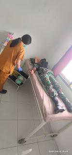 Satgas Pamrahwan Yonif RK 751/VJS Bantu Warga Yang Membutuhkan Donor Darah