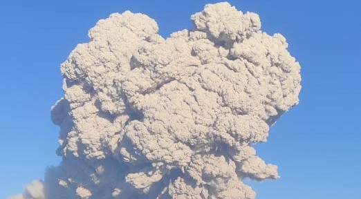 Gunung Sinabung Kembali Muntahkan Awan Panas, Tinggi Kolom Abu Hingga 500 Meter