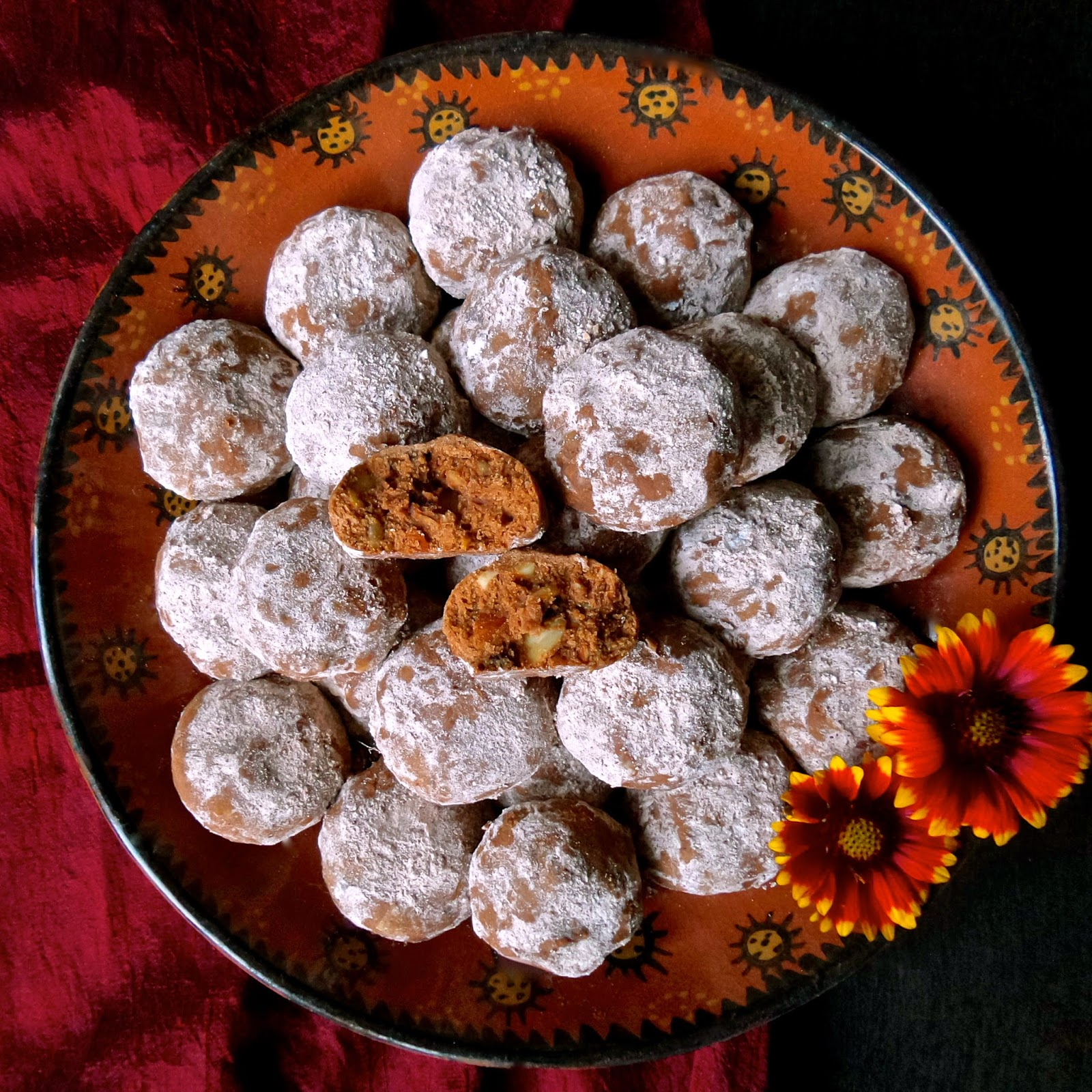 mexican chocolate snowballs, mexican, chocolate, cookies, vegan, egg free, eggless, cinnamon, chili, almonds, easy, recipe, vegetarian,