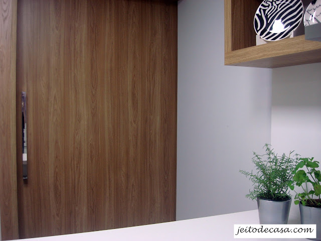 porta-que-separa-cozinha-da-sala