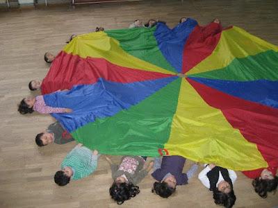 paracaidas colores tela taslan estimulacion temprana acostados