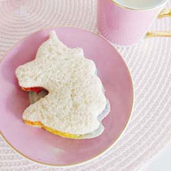 How to make rainbow unicorn sandwiches for kids parties DIY