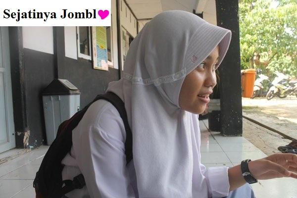 Hijabku Nyaman Dipakai Begitu Anggun Bila Dipandang Terjagalah Kemuliaan dan Sebagai Pelindungku Dari Suatu Pandangan