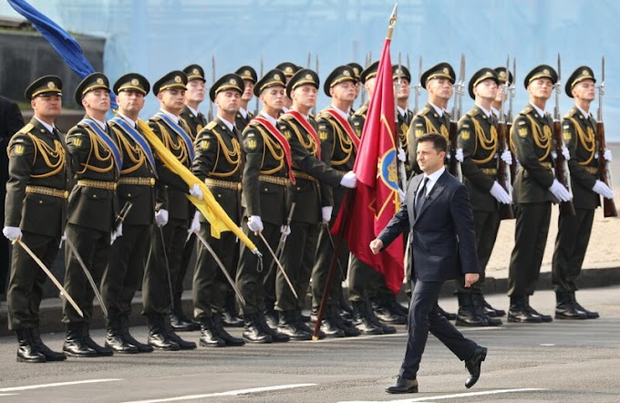 Zelensky Claims Ukraine's Independence from the USSR During a Military Parade