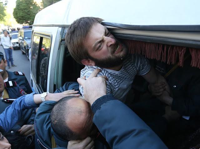 Continúan protestas en Ereván. 30 ciudadanos detenidos