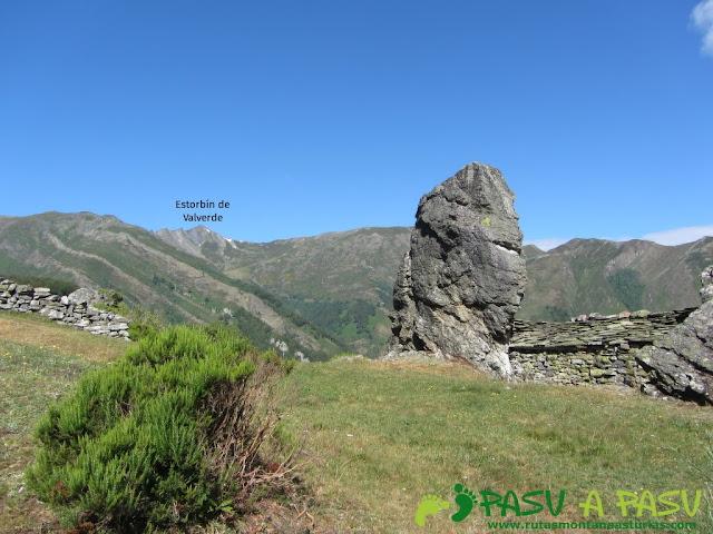 Cabaña en Campanal de Arriba, bajo el Estorbín de Valverde