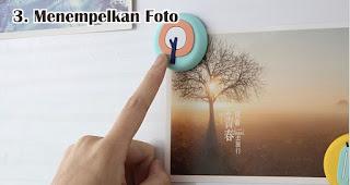 Menempelkan Foto merupakan manfaat tempelan magnet kulkas untuk sehari-hari