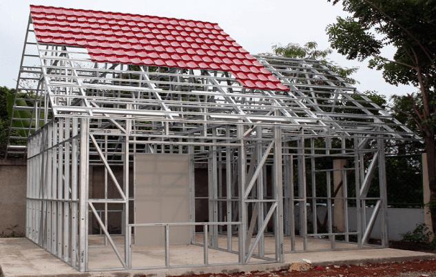 Syarat yang pertama dan harus terpenuhi pada struktur pendukung utama bangunan haruslah kuat. Selain untuk melindungi dari bahaya keruntuhan konstruksi yang kuat pastinya juga untuk memberi rasa aman, tentram bagi yang tinggal di dalamnya.