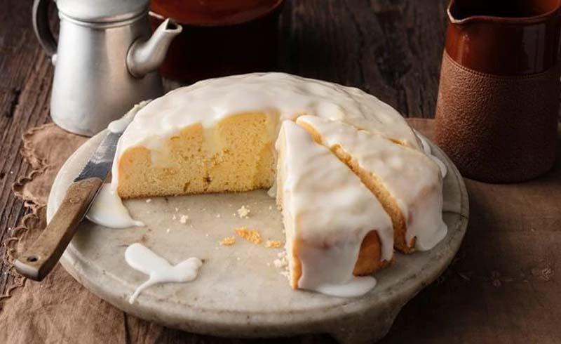 5 Ingredient Lemon Cheesecake Poke Cake