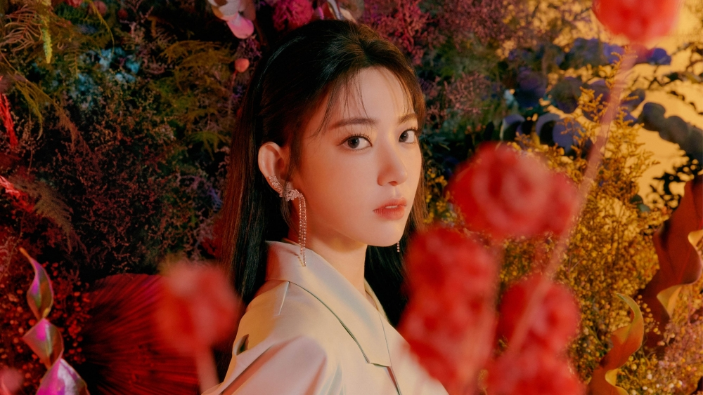 IZ*ONE's Sakura Treated Unfairly by The Agency And Become a Trending Topic on Twitter