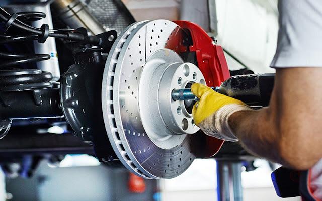 Phanh xe thường xuyên trong tình trạng quá tải cần phải kiểm tra thường xuyên