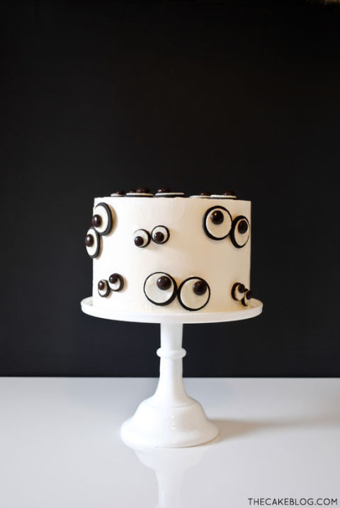 Googly Eye Cake - Recipe, Halloween Cake designs,  Recipes, ideas about Halloween cakes