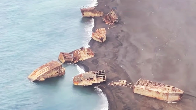 Ghost Ships of Iwo Jima worldwartwo.filminspector.com